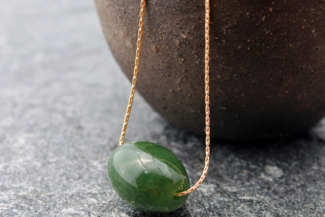 nephrite jade drum bead necklace
