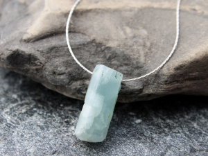 minimalist raw aquamarine necklace
