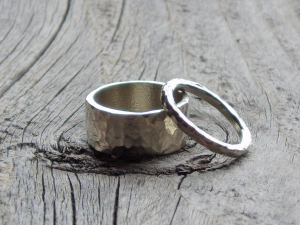 his & hers hammered sterling silver wedding band ring set