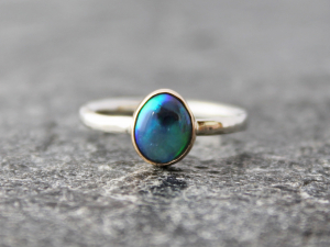 Australian Lightning Ridge black opal ring w/ 14k yellow gold & hammered sterling silver band, US Size 6